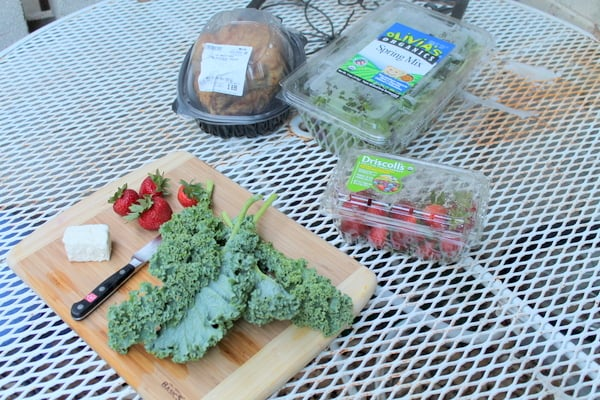 roasted chicken strawberry kale salad ingredients
