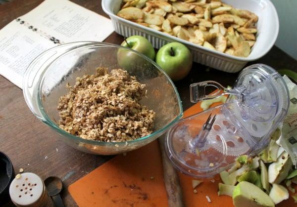 making apple crisp topping