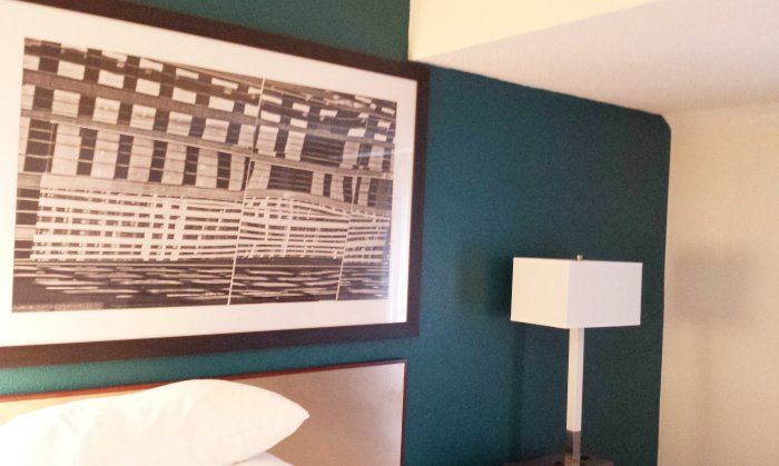 residence by marriott nashville accent wall