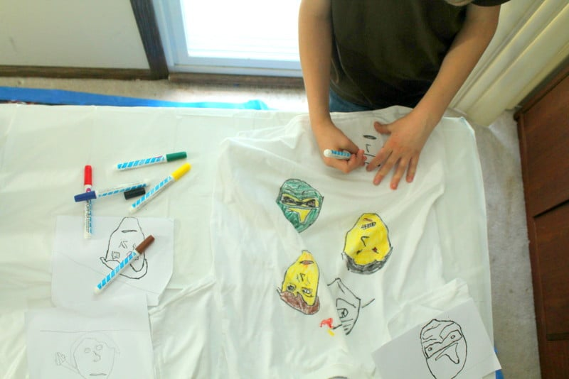 Marvel Avengers Birthday Party Decorate a T-shirt Craft