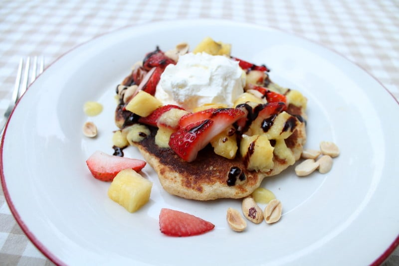 Easy Banana Split Pancakes Recipe